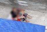Video: Kinh hoàng chó dữ tấn công một cụ bà không chịu nhả