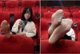 Girl xinh đi xem phim nhưng vô tư gác chân lên ghế: Đẹp mà ý thức kém thì cũng vứt đi?