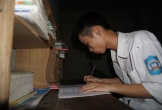 Hà Tĩnh: Bố mẹ cắm sổ đỏ để con thực hiện giấc mơ trở thành luật sư