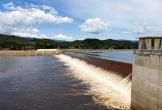 Cây cối trơ ngọn bên trong hồ chứa nước lớn thứ 3 Việt Nam