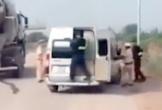Cảnh sát giao thông nổ súng, truy đuổi xe khách vi phạm