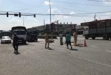 Băng qua ngã tư, người đàn ông bị xe tải chở heo tông chết