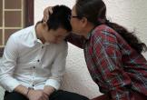 Đâm chết người vì bị nhắc vượt đèn đỏ: Òa khóc trong tay người mẹ mù lòa