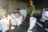 Hà Tĩnh: Phát hiện cơ sở chế biến 'chui' mỡ bò không đảm bảo vệ sinh