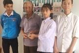Khen thưởng nữ sinh trả lại 14 triệu đồng cho cụ ông đánh rơi ở Hà Tĩnh