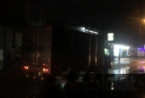 Sau va chạm, người đàn ông ngã ra đường bị xe tải cán tử vong