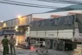 Xe tải va chạm với xe máy, 3 người thương vong
