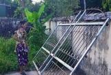 Hà Tĩnh: Chơi trước cổng nhà, bé trai 3 tuổi bị cổng sắt đè tử vong