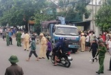 Đi xe máy từ đường nhánh ra, người đàn ông Hà Tĩnh tử vong dưới bánh xe tải