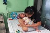 Hà Tĩnh: Quặn lòng nhìn con nguy kịch vì không có tiền phẫu thuật