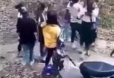 Mâu thuẫn trên mạng, hai nhóm nữ sinh đánh nhau, một người nhập viện cấp cứu