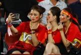 Bạn gái tin đồn của Quang Hải đến sân cổ vũ U23 Việt Nam