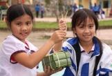 Hà Tĩnh: Học sinh vùng biên háo hức gói bánh chưng đón Tết