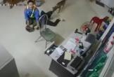 Phút nhân viên cây xăng ở Hà Tĩnh quật ngã tên cướp có dao
