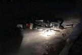 Tai nạn thương tâm: Đâm vào cống bê tông, mẹ tử vong, con trai gãy chân