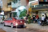 Đường phố náo loạn vì 2 nhóm hỗn chiến trước quán karaoke