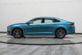 Chiếc ô tô Trung Quốc 4 chỗ hạng sang đẹp long lanh giá chỉ hơn 400 triệu có gì hấp dẫn?