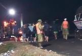 Chèo bè chuối vượt lũ lên chùa lấy cơm, học sinh ở Hà Tĩnh mất tích