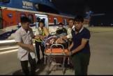 Trực thăng đưa 2 quân nhân gặp nạn trên đảo Sinh Tồn về đất liền cấp cứu