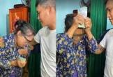 Bà con Hà Tĩnh rơi nước mắt nhận tiền cứu trợ từ ca sĩ Thủy Tiên