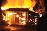 Thi thể bí ẩn trên người có nhiều vết chém được phát hiện trong vụ hỏa hoạn