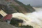 Hà Tĩnh: Mưa lớn, thủy điện Hố Hô và hồ Kẻ Gỗ đồng loạt xả lũ