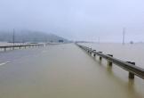 Quốc lộ 1A qua Hà Tĩnh ngập sâu