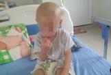 Bé trai 2 tuổi vùng lũ bị ung thư cần được giúp đỡ