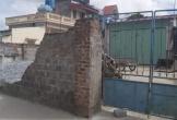 Tường sập đè tử vong nữ sinh lớp 6 đang đạp xe về nhà