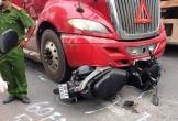 Người phụ nữ tử vong thương tâm dưới bánh xe đầu kéo