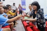 'Ngày hội sữa học đường' - Mang niềm vui uống sữa đến với trẻ em Vĩnh Long
