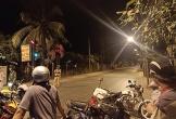 Dân ùa ra kín đường khi cảnh sát vừa vây ráp Tuấn 'Khỉ'