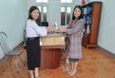 Nữ giáo viên Hà Tĩnh góp tiền mua nước rửa tay tặng cho nhà trường