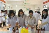 Hà Tĩnh: Nhiều trường pha chế sẵn nước rửa tay phòng dịch cho học sinh sau đợt nghỉ