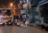 Xe máy chở 3 tông trực diện vào xe tải, 3 người thương vong