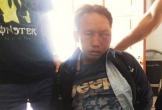 Kẻ buôn ma túy rút dao chống cảnh sát