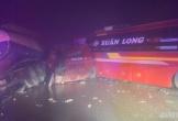 Tai nạn giữa ô tô khách và xe đầu kéo, QL6 ùn tắc khoảng 4km trong đêm