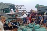 Nghệ An: Hai xe tải đâm nhau, 2 người thiệt mạng