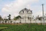 Tòa bạch dinh xa hoa giữa đồng của cụ bà bán rau 80 tuổi ở Hà Tĩnh