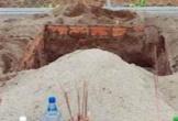 Công an Tiền Giang vào cuộc vụ đào mộ, đốt hài cốt mẹ vợ do con rể thiếu nợ