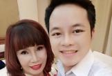 'Chồng trẻ 26 tuổi' Hoa Cương lên tiếng trước tin đồn lạnh nhạt, giả vờ tình cảm với 'cô dâu 62 tuổi'