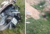 Người đàn ông tử vong cạnh chiếc xe máy bên lề đường