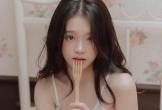 Mặc áo tắm gợi cảm, hot girl Linh Ka được fan khen nức nở
