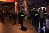 Hàng chục thanh niên cầm hung khí hỗn chiến trên đường, khiến người dân hoảng sợ