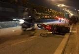 Lao xe máy tông gãy biển báo, nam sinh viên tử vong
