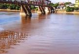 Nước sông La chuyển màu đỏ đục kéo dài, người dân bất an không có nước sinh hoạt