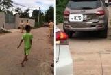 Nữ tài xế mới học lái lùi xe khiến 2 học sinh thương vong