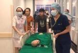 Video nóng: Hai bé gái song sinh đã được đưa vào phòng mổ, 100 y bác sỹ bắt đầu ca phẫu thuật