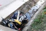 Lao xe máy xuống mương nước, hai anh em tử vong thương tâm