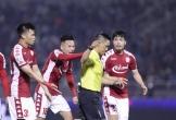 Trọng tài mắc lỗi trận CLB TPHCM thua Hà Nội 0-3 bị dừng làm nhiệm vụ